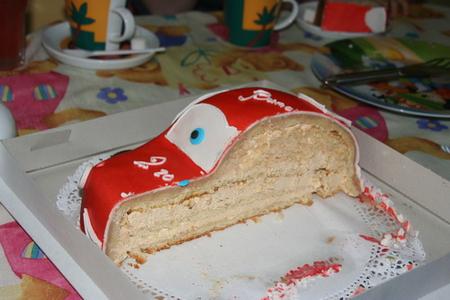 Как сделать торт машинку из готовых коржей